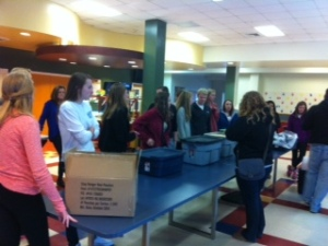 Students volunteer and help the hungry.