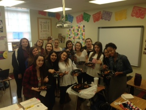 Mrs. Zelaya's advisory enjoys their Chick Fil- A winnings.